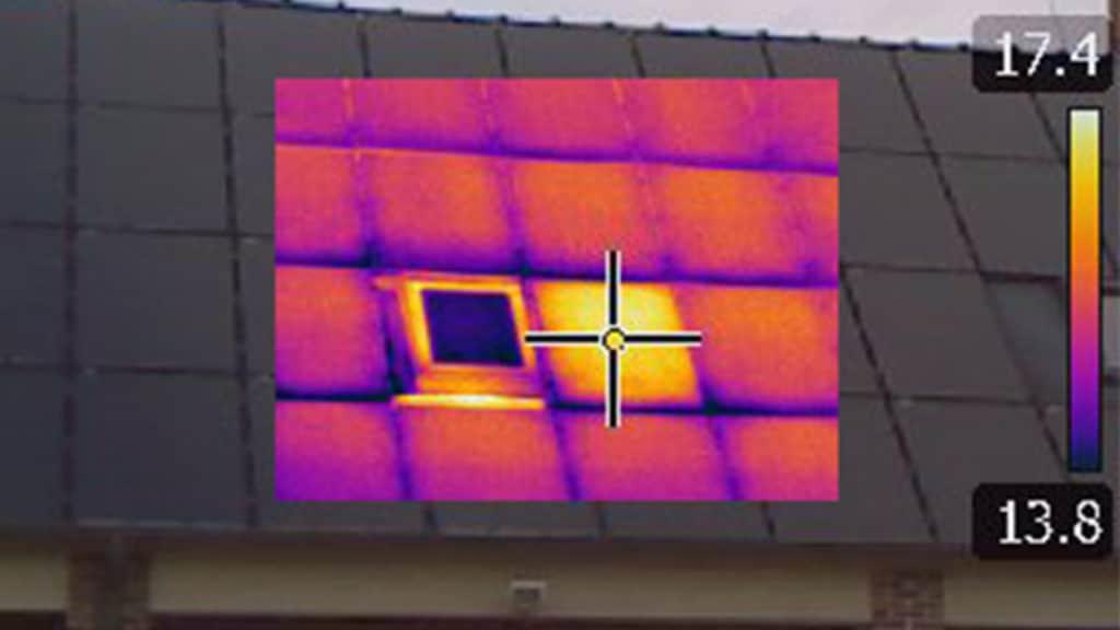 Maintenance et contrôle de température des panneaux photovoltaïques